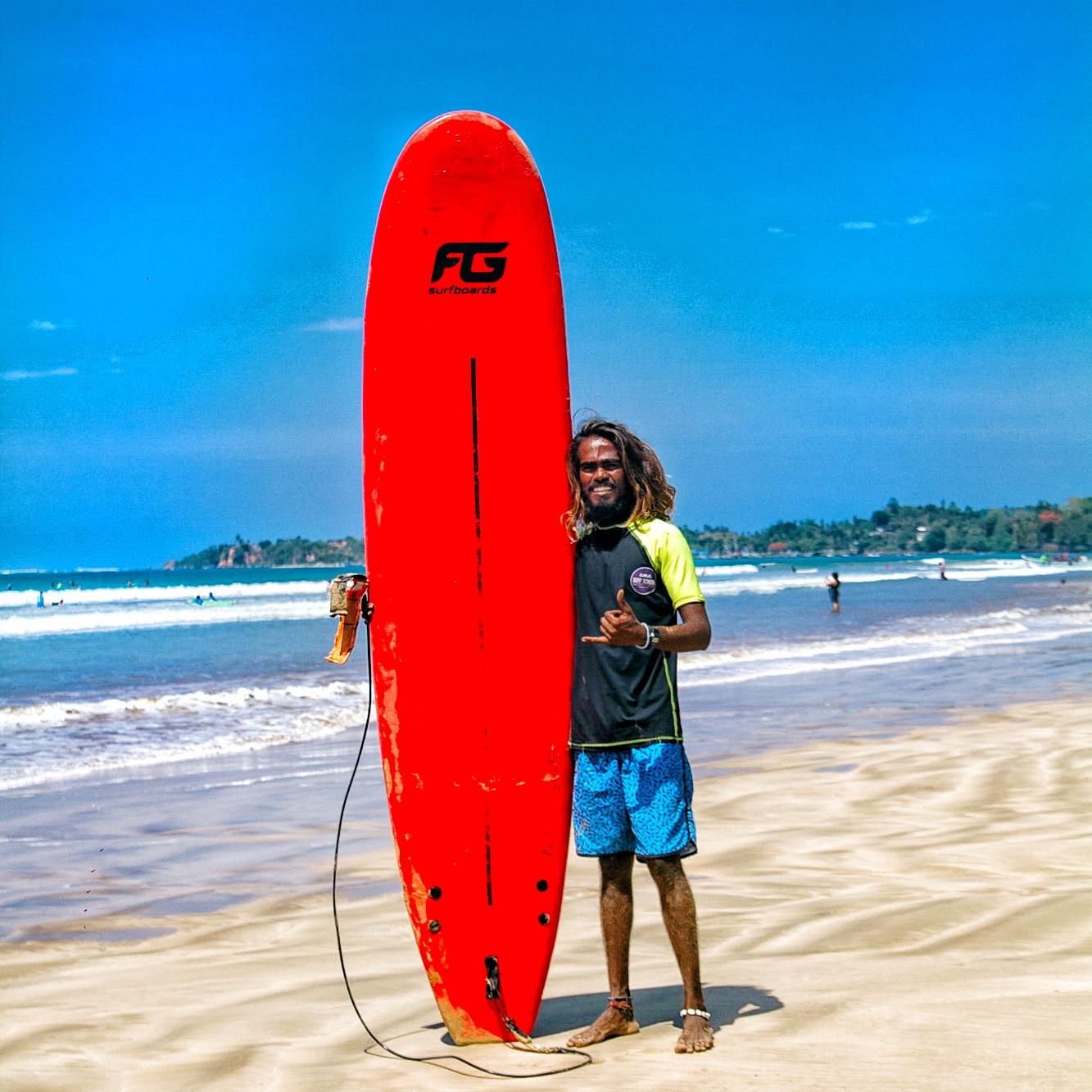 Longboard surfing Srilanka